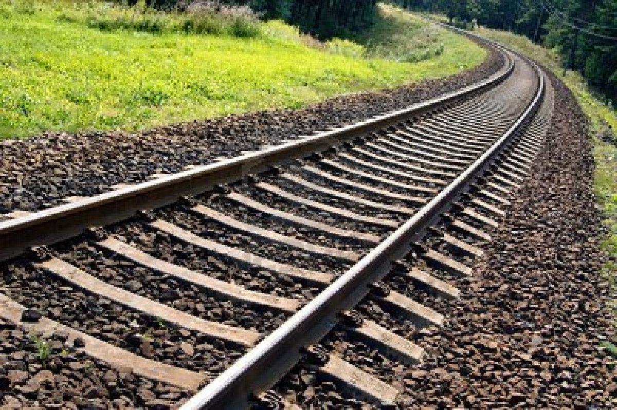 В удмуртском селе 15-летний парень бросился под поезд из-за ссоры с девушкой